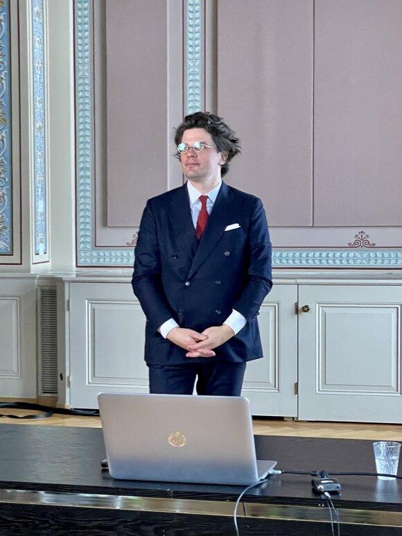 2021-ųjų sausis: Dr. T. Žukas. Vidurdienio paskaitos Ciuricho universitete fragmentas