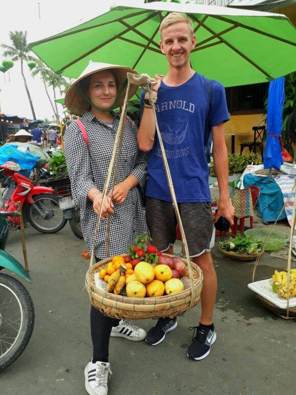 Milda Pasaravičiūtė kartu su Edvardu Vietname