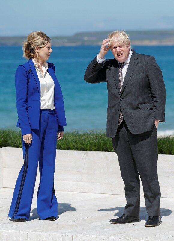 Didžiosios Britanijos ministras pirmininkas Borisas Johnsonas su sutuoktine Carrie Johnson