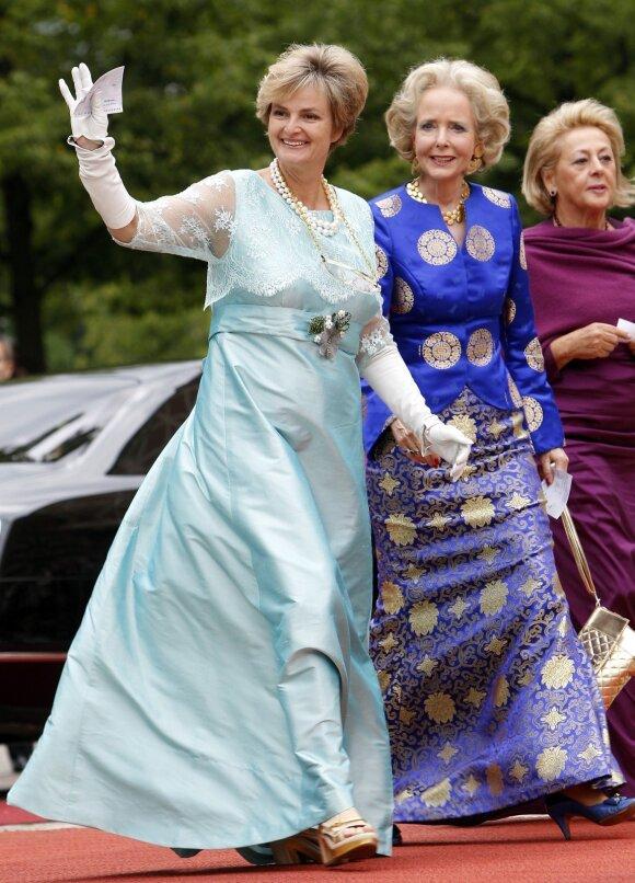 Gloria von Thurn und Taxis (kairėje)