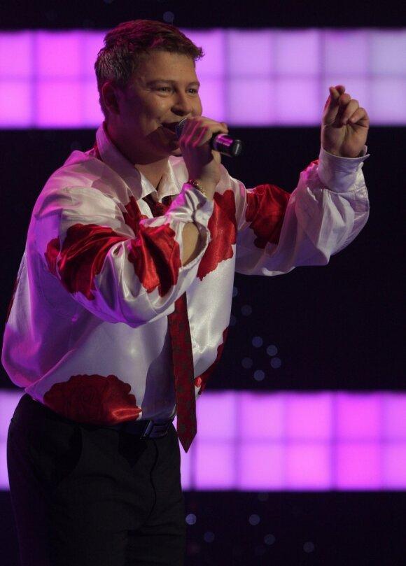 Dainininkas Airidas kaltina A.Valinską ir BTV vadovą pavogus jo idėją