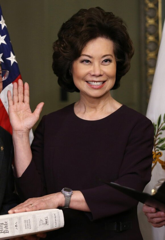 JAV transporto sekretorė Elaine Chao