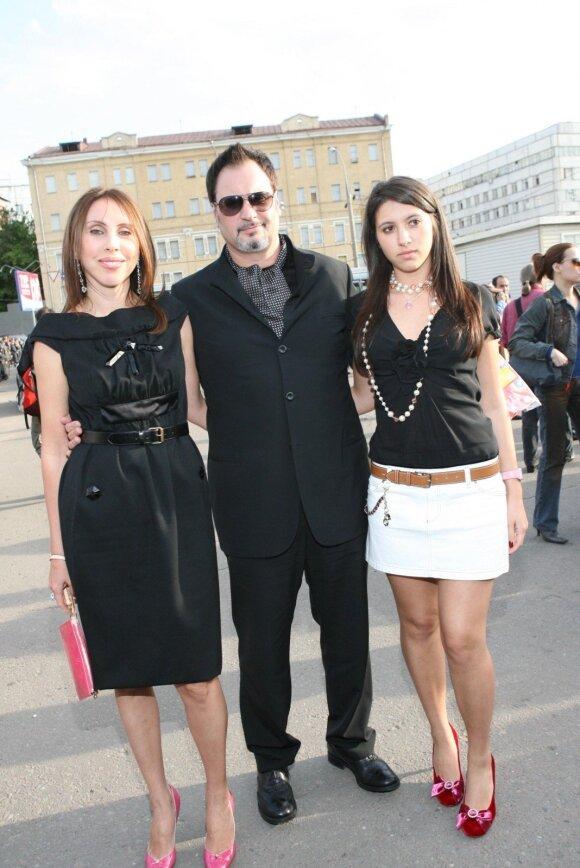 Irina ir Valerijus Meladzės bei jųdviejų dukra