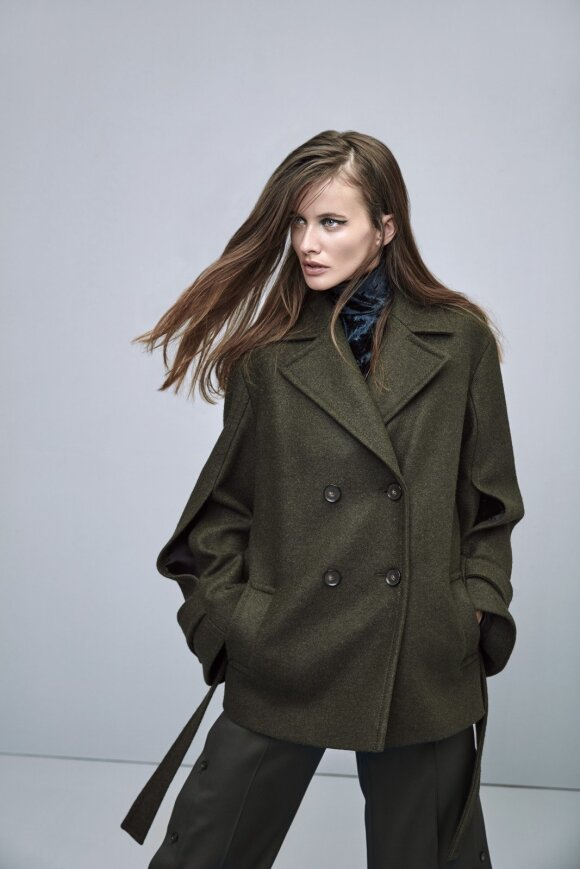 Rudens ir žiemos kolekcija skirta savimi pasitikinčios moters dienai ir vakarui
