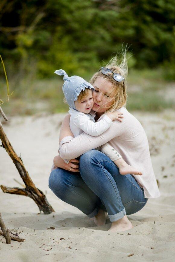 Indrė su dukryte Monika