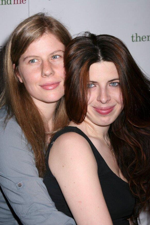 Heather Matarazzo (dešinėje)