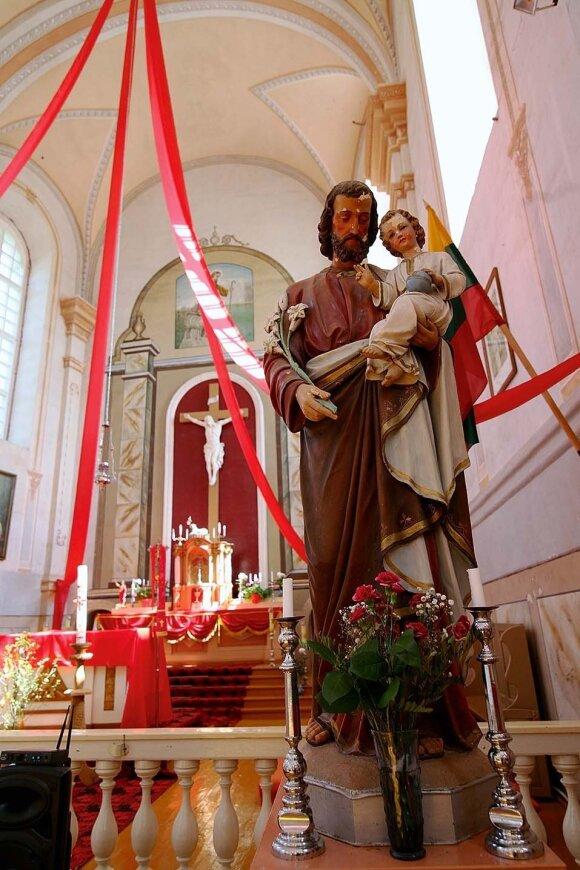 Antalieptės bažnyčią pastatė basieji karmelitai