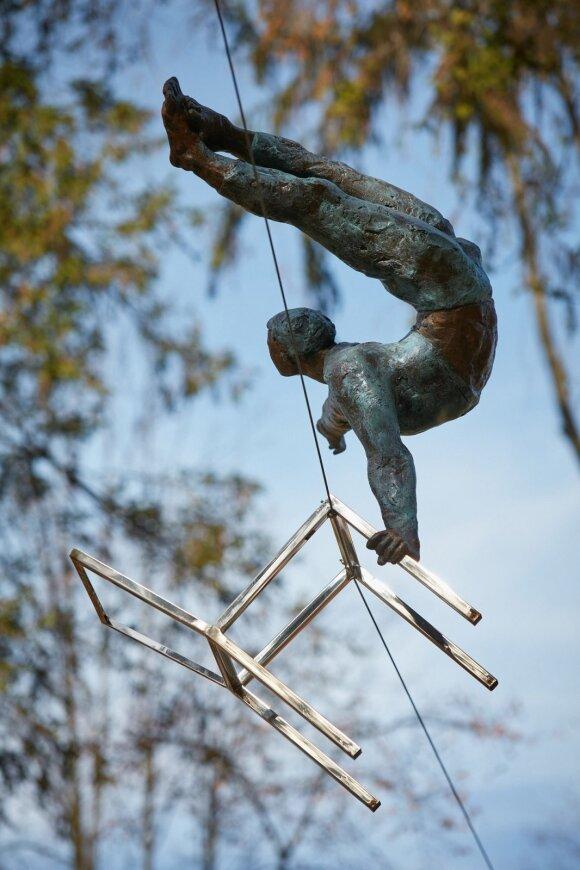 Jerzy Kedziora. Balansas medžių viršūnėse Europos parke