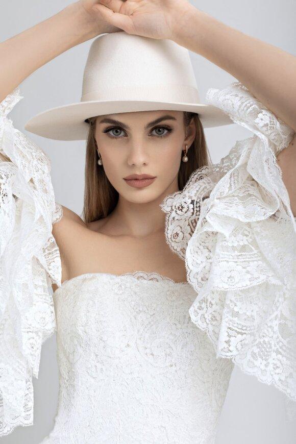 Dizainerės Raimondos Silės tvarios mados suknelių kolekcija