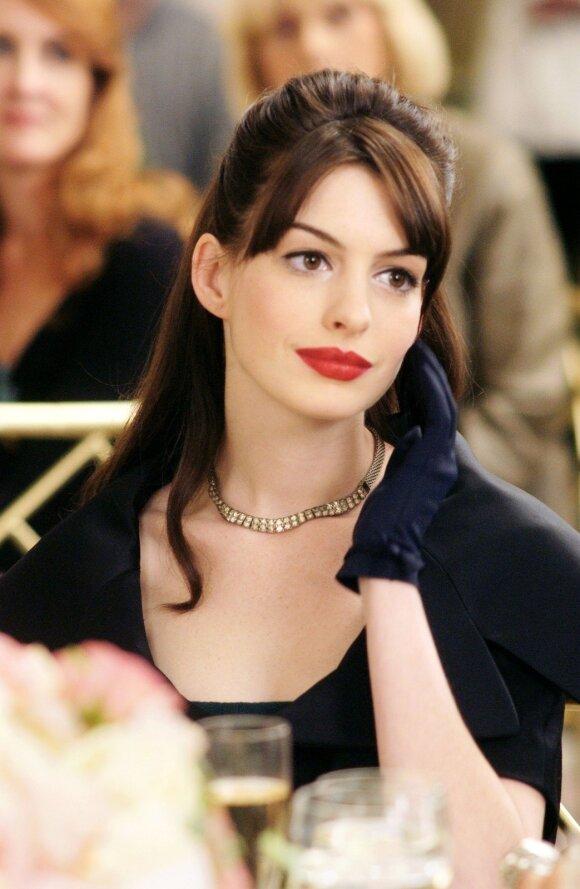 Miela išorė slepia tikrąją tiesą: kodėl Anne Hathaway tapo viena nekenčiamiausių Holivudo įžymybių?