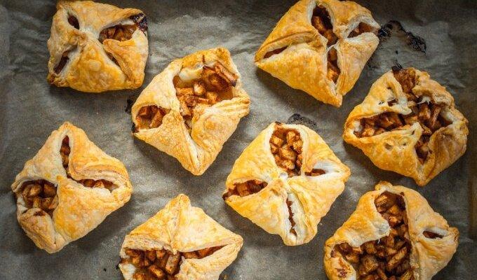Trapūs vaisiniai pyragėliai per 10 min.