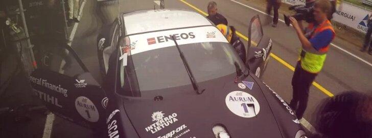 Devynios 1006 km lenktynių valandos per dvi minutes: užkulisių vaizdo klipas