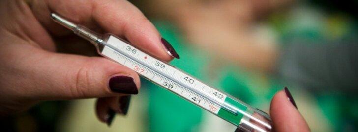 Medikai vos spėja suktis: susirgę neskubėkite į polikliniką