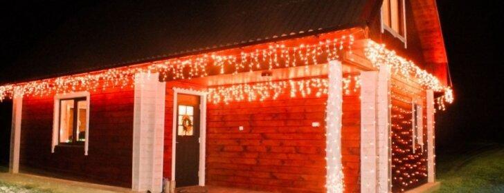 """<span style=""""color: #ff0000;"""">Skaitytojos patirtis:</span> kaip kalėdiškai papuošti namą"""