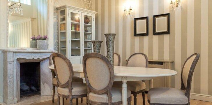 Kaip neapsirikti renkantis valgomojo stalą