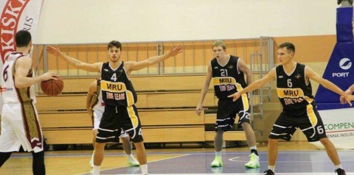 MRU krepšininkai gynyboje