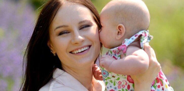 Dainininkė ir radijo laidų vedėja Simona: nerimas tapus mama neišvengiamas