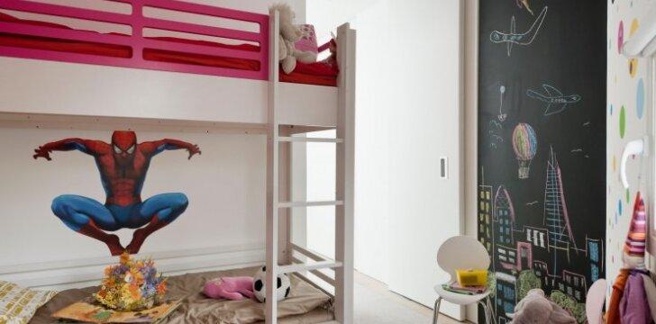 Dviaukštė lova kambaryje: pliusai ir minusai