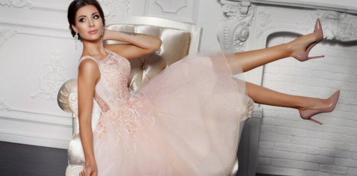 Karščiausios 2017 metų nuotakų mados – sudie baltoms, vientisoms suknelėms