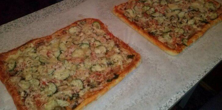 """Naminė pica su """"Džiugo"""" sūriu"""
