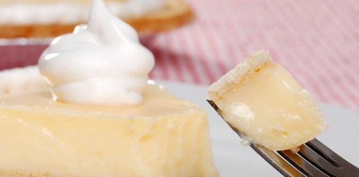 BURNOJE TIRPSTANTIS pyragas su kremu
