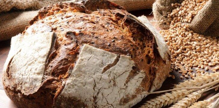 Duona su kepintais svogūnais ir čiobreliais