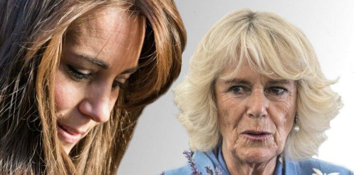 """Karališkos intrigos: nesibaigiantis karas tarp <span style=""""color: #c00000;"""">Kate Middleton</span> ir princo Charleso mylimosios"""