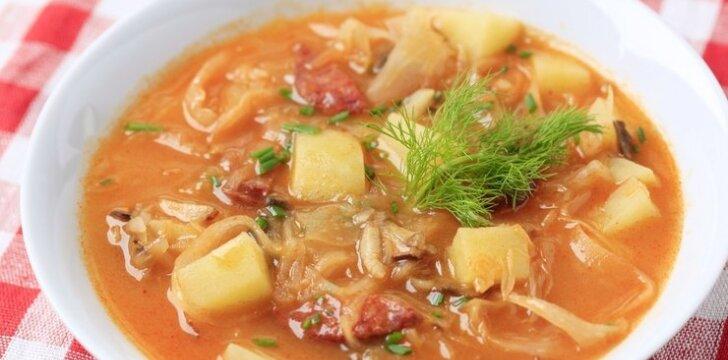 Kopūstų sriuba su lašinukais