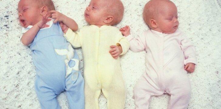 Toks gimdymas būna 1 iš 50 milijonų: ypatingos trynukės