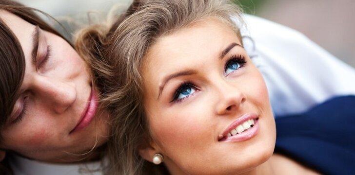 Jauniems žmonėms vedybos vis dar yra svarbus ir geidžiamas dalykas.