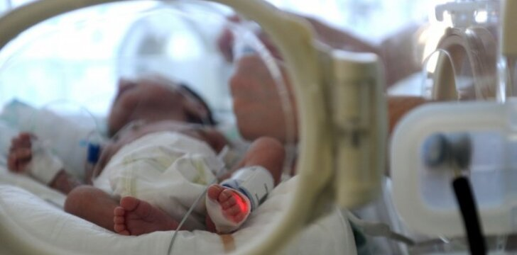 Kaip nepalūžti tėvams, kai naujagimis gimsta anksčiau laiko