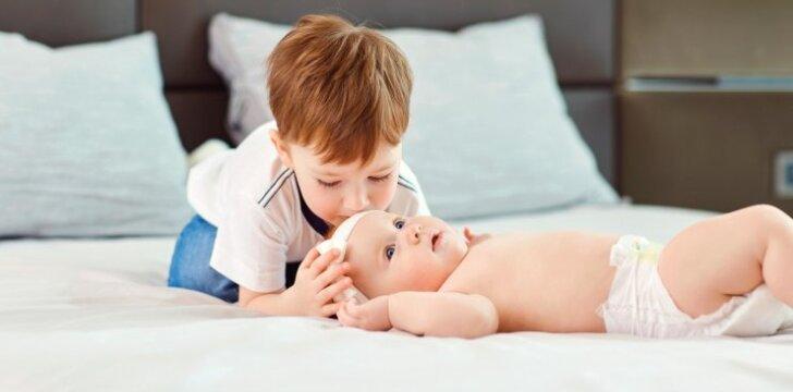 Kokio amžiaus vaikas labiausiai pavydi gimusiam broliui ar sesei?