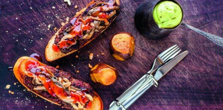 Mėsainis su keptomis bulvėmis