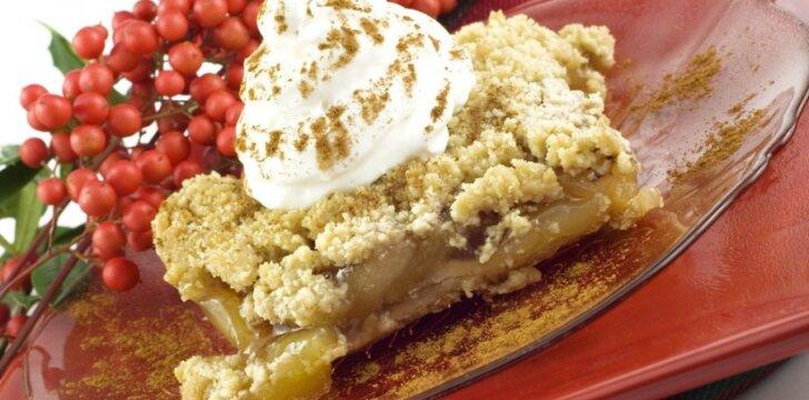 Pyragas skaniausias, kai valgomas karštas.
