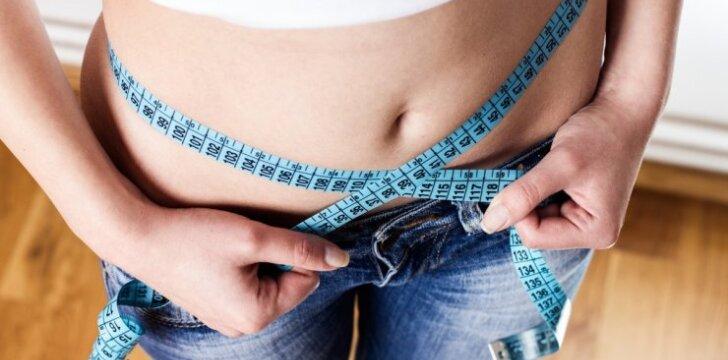 """<span style=""""color: #c00000;"""">Dietologė atsako:</span> valgau mažiau, o svoris tik auga. Ką daryti?"""