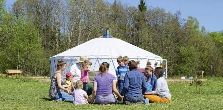 Vaikų darželis Ukmergės rajone, kuriame vaikai nespraudžiami į rėmus