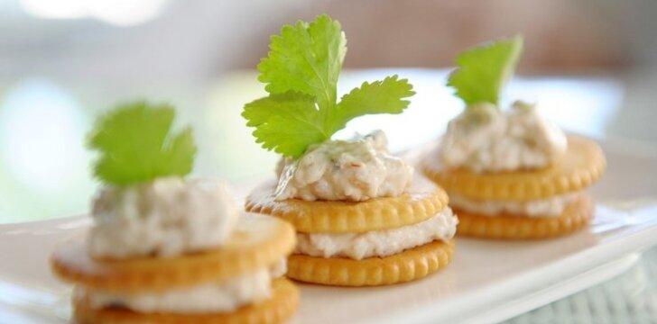 Sumuštinukai su 4 sūrių kremu