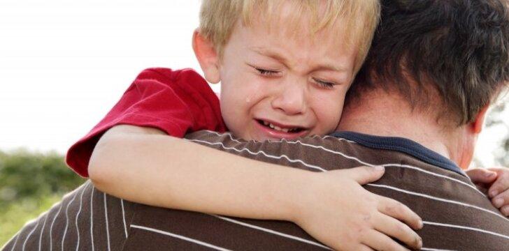 Siekiant atimti vaikus iš šeimos - ir absurdiški kaltinimai