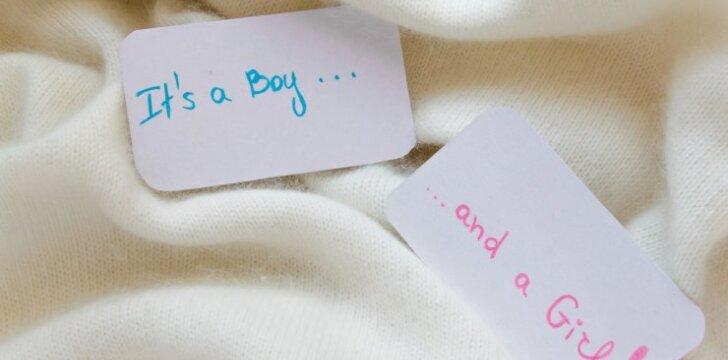 Dvynius pagimdžiusi 70 metų moteris nepyksta pavadinta močiute