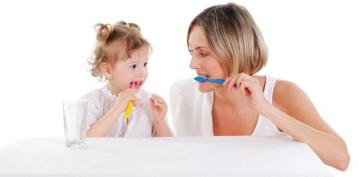 """<span style=""""color: #ff0000;"""">Klausome!</span> Pasakėlė apie dantukus"""