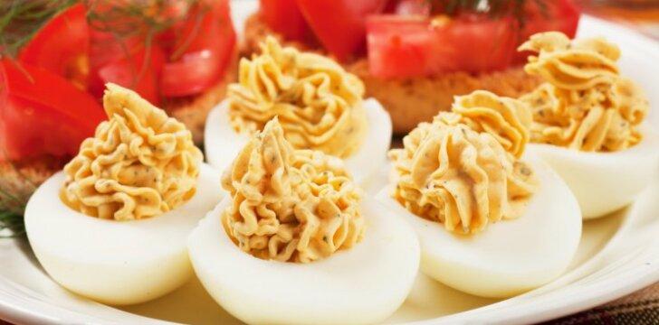 5 greitai paruošiami įdarai kiaušinių puselėms