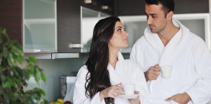 Mylėtis ryte daugiau galimybių turi bevaikės poros...