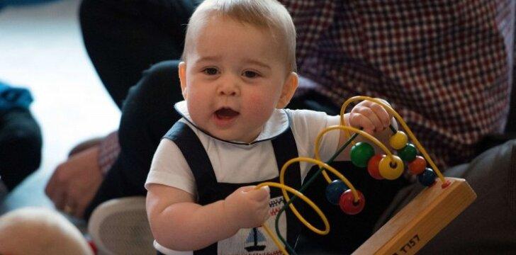 """Pirmąkart karališkasis kūdikis įamžintas neoficialioje aplinkoje <sup style=""""color: #ff0000;"""">FOTO</sup>"""