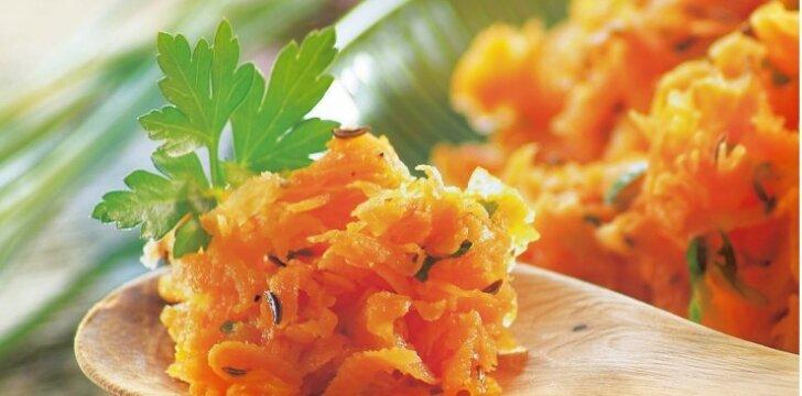 Morkų salotos su pikantišku padažu