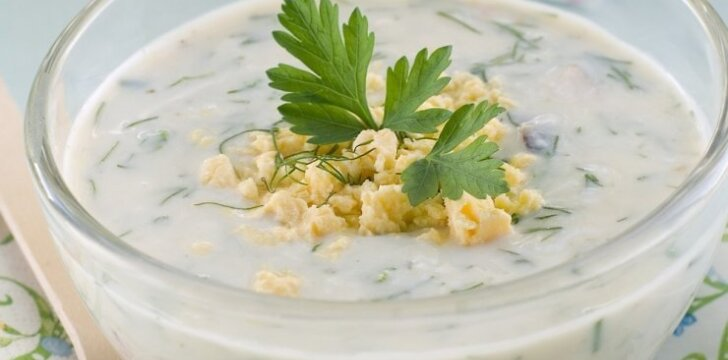 Šalta sriuba su kefyru