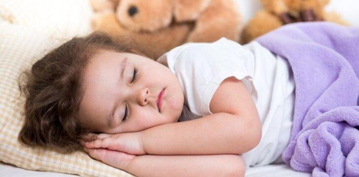 Kaip pripratinti vaiką užmigti savarankiškai
