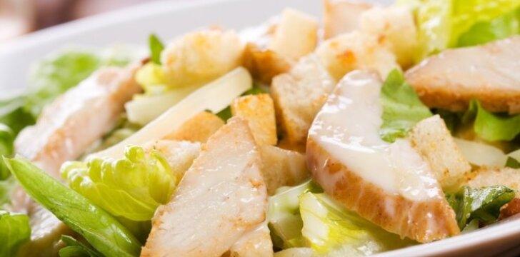 Vištienos, pievagrybių ir bulvių salotos