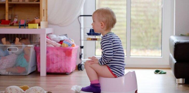 Vaikas kategoriškai atsisako sėstis ant naktipuodžio: psichologės komentaras