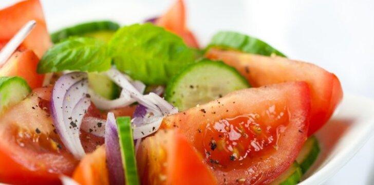 Ispaniškos pomidorų ir agurkų salotos