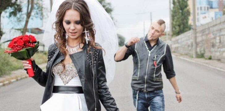 """Šokiruojančios <span style=""""color: #ff0000;"""">vestuvinės nuotraukos</span>: nuogybės, linksmybės ir nesusipratimai"""